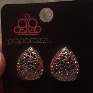 paparazzi Jewelry - Paparazzi clip on earrings.